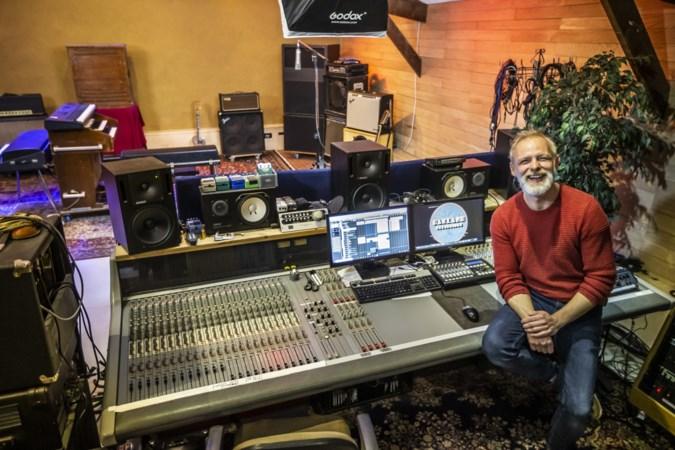 De zelfgebouwde opnamestudio van Niels Koster in Kessel-Eik hielp Nederlandse zangeres met afstuderen in New York