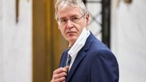 Minister Slob vindt anti-homoverklaring scholen 'een brug te ver'