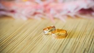 Burgemeester feliciteert jubilerend echtpaar Possen-Limpens in Voerendaal