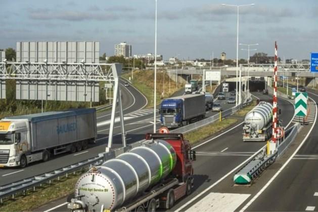 Koning Willem-Alexandertunnel korte tijd dicht vanwege ongeluk