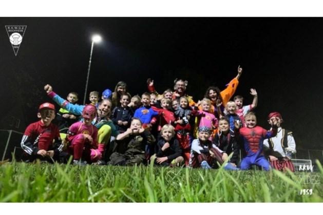 Verkleed trainen voor de jongste jeugd van WDZ in Bocholtz