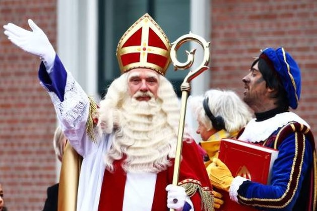 Sinterklaas is weer in het land, Lex Uiting en Beppie Kraft verwelkomen hem