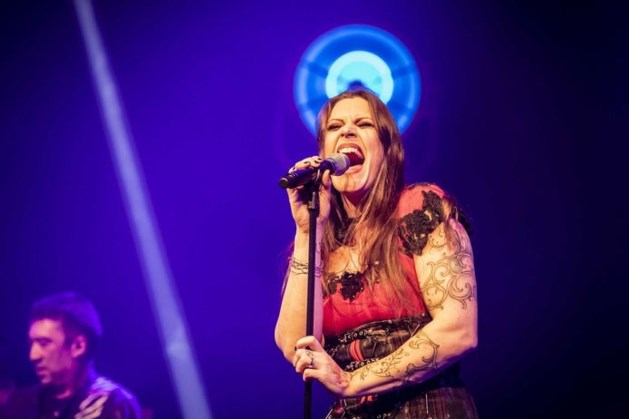 Floor Jansen brengt metalversie van Disneyhit Let It Go