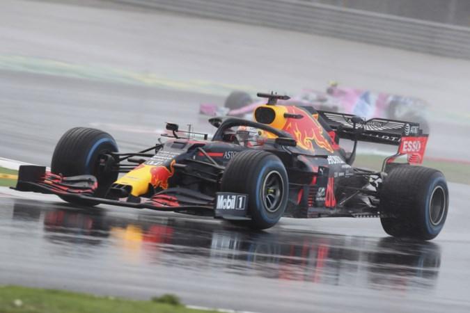 Hamilton bekroont wereldtitel met prachtige zege; Verstappen tolt rond en verspeelt kansen op zege