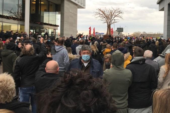 Te weinig politie voor protestactie tegen Kick Out Zwarte Piet in Maastricht: 'Handhaven coronaregels was niet te doen'