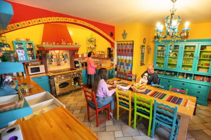 Dit huis in Born is volledig in Mexicaanse sferen: 'Het is wat overweldigend hè?'