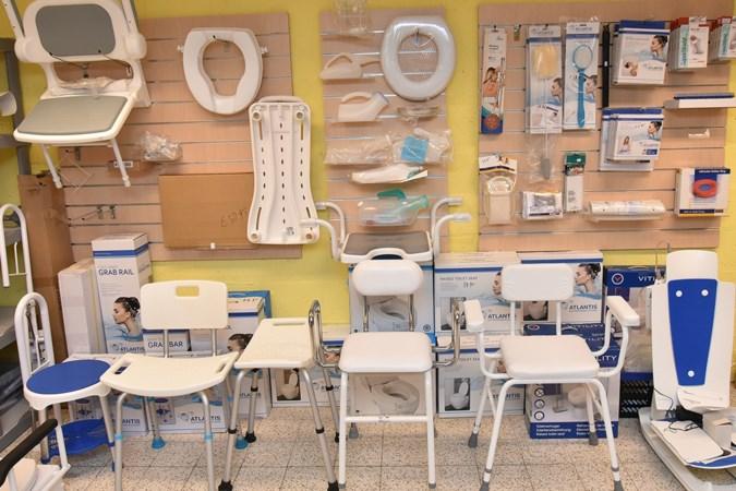 Ouderenwinkel Heuvelland gaat verder als webwinkel, huiskamer voor senioren blijft