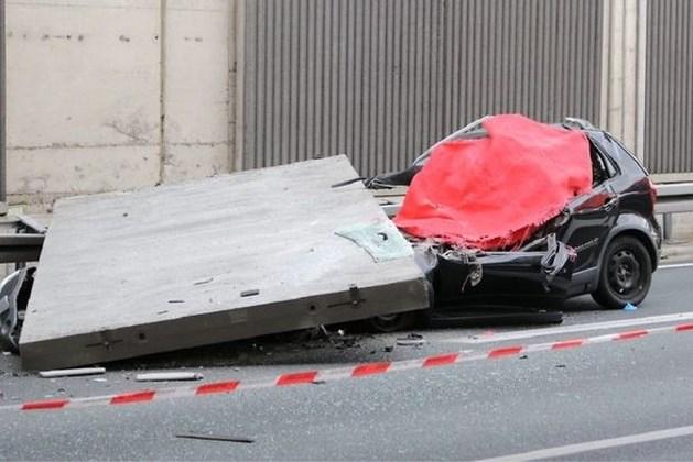 Opzettelijk foute bevestiging deed betonplaat op auto Duitse vrouw (66) storten