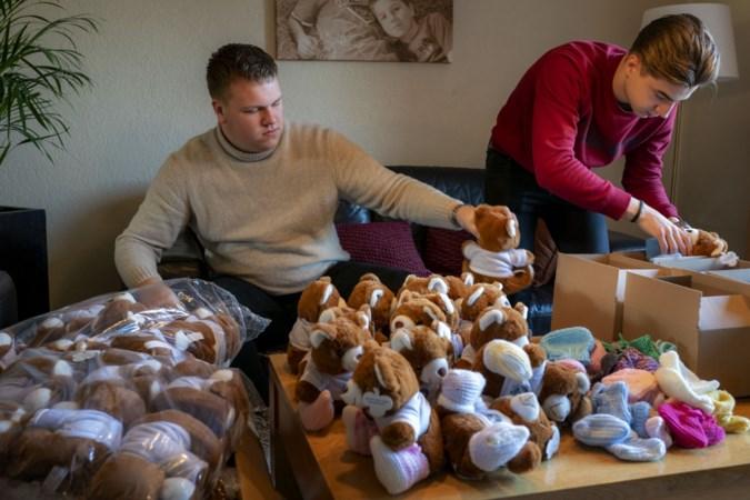 Idee studenten Zuyd Hogeschool: Een knuffelbeer op gebreide sokken verdrijft de eenzaamheid
