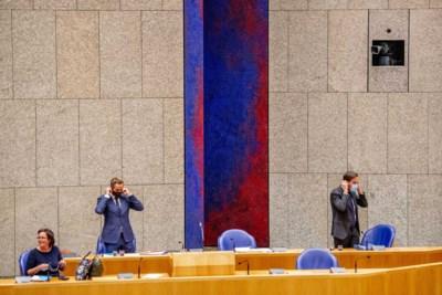 Kabinet wil geen verplichting, maar politiek worstelt met het belonen van vaccinatie