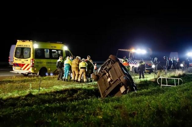 ME'ers die toevallig passeren schieten te hulp na ongeluk op A73