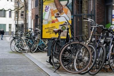 Politiek wil af van parkeerchaos fietsen in Sittard: stallen tweewielers vaak onveilig