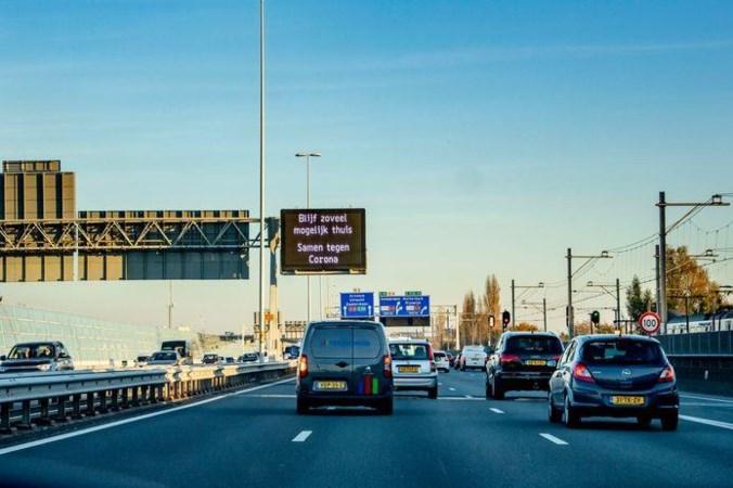 Tóch even naar kantoor: waarom luisteren we minder naar de oproep van Rutte om thuis te werken?