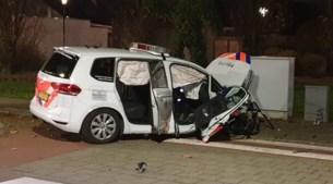 Politieauto zwaar beschadigd bij verkeersongeval