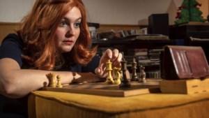 Maastrichtse Minouk verplaatst zich in personages uit Netflix-series als uitdaging in coronatijd