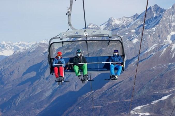 Kun je ondanks corona nog op skivakantie dit seizoen? Sommige landen halen alles uit de kast