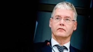 Minister Slob wil proef met sneltesten op school: 'Bij de voordeur gaan testen: corona ja of nee'