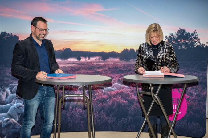 Frans bedrijf Huttopia tekent huurovereenkomst vakantiepark Elfenmeer Herkenbosch