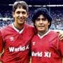 Dertien keer de bal loodrecht in de lucht maakt van Diego Maradona de grootste, vindt Gary Lineker