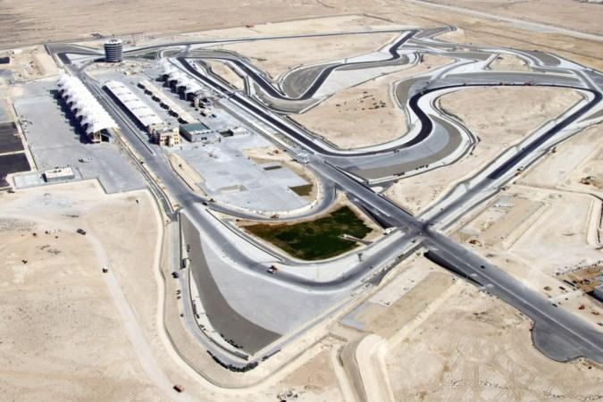 De allereerste GP in het Midden-Oosten in 2004: ineens domineerden snelle Formule 1-bolides in plaats van kamelen