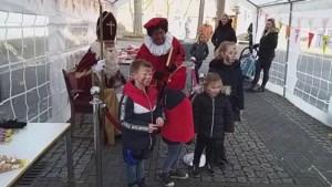 Video: Sinterklaas ontvangt kinderen van Limmel in 'teststraat'