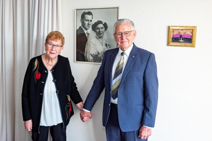 Zef en Mia uit Heerlen zijn 65 jaar getrouwd: 'Ik wilde niet dat Mia alleen naar huis zou lopen'