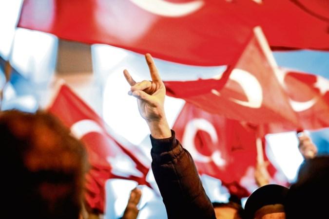 Na Frankrijk en Duitsland overweegt ook Nederland verbod op extreemrechtse Turkse Grijze Wolven