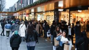 FNV wil dat winkelketens personeel beter beschermen tegen de topdrukte rond de feestdagen