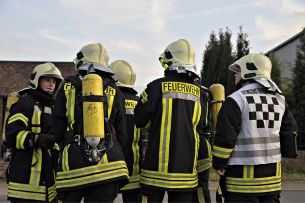 Duitse brandweer blust drie bosbranden in Niederkrüchten bij Roerdalen