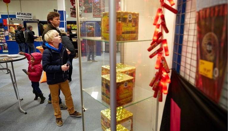 Winkeliers willen tóch vuurwerk verkopen en stappen naar de rechter