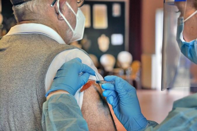 Dit is de situatie in onze buurlanden: Duitsland is klaar voor de massavaccinatie, in België klinkt roep om versoepeling.