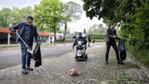 Als goede buur ruimt Brunssumer Henri Ummels zwerfaval ook op in Heerlen-Noord, maar dan moet de gemeente het goede voorbeeld geven