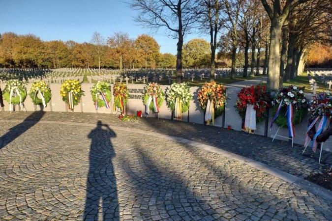 Antifascisten dreigen met weghalen krans van de gemeente Venray bij oorlogsbegraafplaats Ysselsteyn