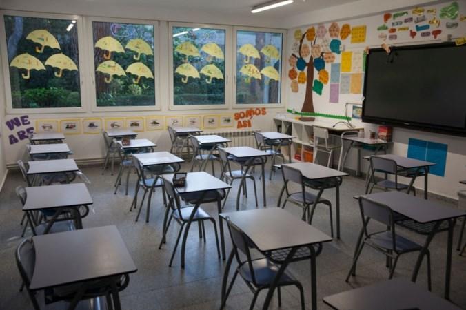 Oud-leraar verdacht van aanranding leerling en verkrachtingen pleegzoon