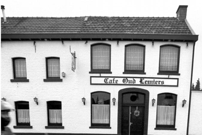 Raadsleden Vaals geërgerd over 'achterhouden informatie' college over café Oud-Lemiers