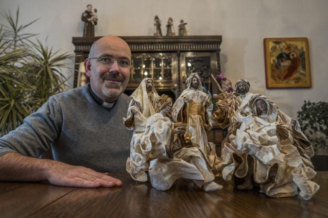 Pastoor Verheggen uit Eijsden heeft 800 kerststallen: 'Het beeldje dat ik voor 30 euro kocht, is 1500 euro waard'