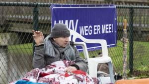 Vastgeketend voor het huis van UWV-directeur strijdt Sven voor een uitkering