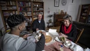 De bijzondere band tussen tienervluchteling Hisham uit Syrië en pastoor Harry Notermans uit Waubach