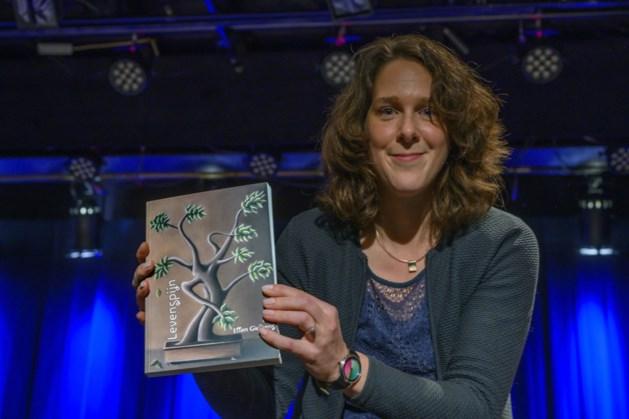 Schrijversdebuut van Landgraafse Ellen Gielkens: 'Tijdens het schrijven werd ik opeens met mijn eigen levenspijn geconfronteerd'