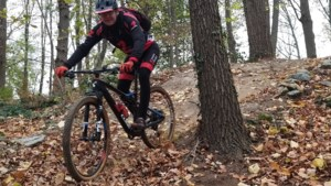 Uitfietsen: Mountainbiken op de zwarte piste bij Watersley
