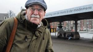 Mijlpalen met een goudrandje op het pad van dichter en wandelaar Herman Verweij
