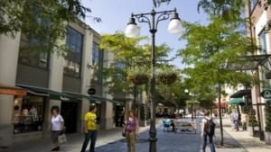 Nederlandse klanten veel moeite met coronaregels tijdens het shoppen in Maasmechelen