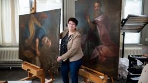 Zes 'voortreffelijke schilderijen' gerestaureerd terug naar plek van oorsprong: het bisschoppelijk paleis in Roermond