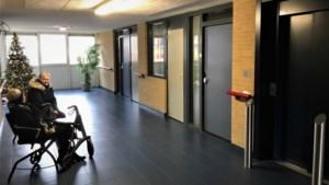 Bewoners in Heerlens complex die slecht ter been zijn voelen zich geïsoleerd met één lift, als die soms ook buiten bedrijf is