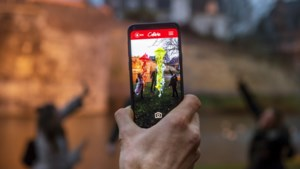 Met deze app ga je op zoek naar een ufo en gekleurde kwallen boven de binnenstad van Maastricht