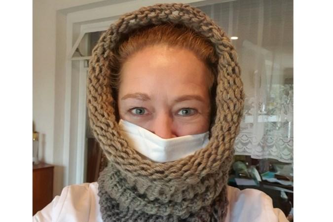 Sittardse wijkverpleegkundige zoekt al luisterend naar oplossingen tegen eenzaamheid en start brei-platform Coll-me