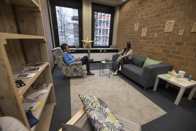 Een luisterend oor bij @ease voor jongeren in Parkstad: 'Somberheid en eenzaamheid worden nu uitvergroot'