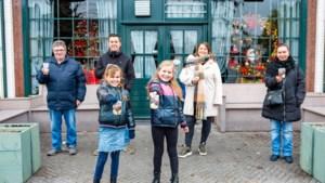 Verenigingen Geleense wijk Lindenheuvel houden chocolade-actie om iets terug te doen voor café De Paesjsjtal