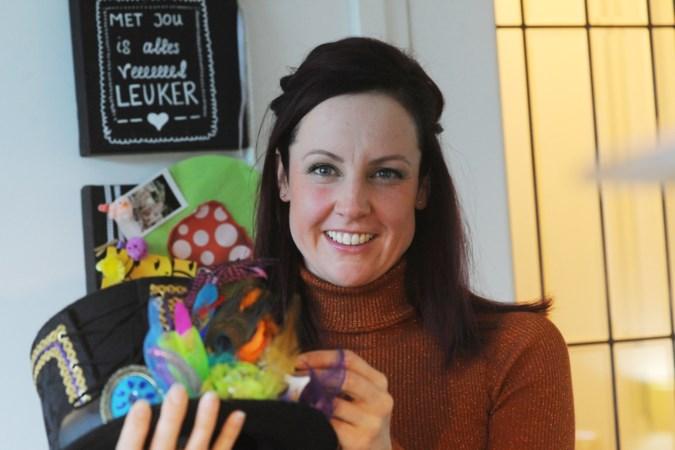 Powervrouw Mariëlle Swinkels wil niet dat de dames er met carnaval maar een beetje bijhangen