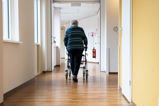Zorgcentra zetten ouderen verplicht in quarantaine na kerstbezoek aan familie